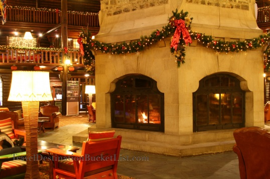 Guest blog chateau montebello review sojournwithstacey for Montebello fireplace